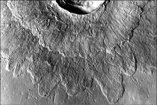 Big ice may explain Mars' double-layer craters