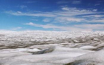 Greenland ice sheet stores liquid water year-round