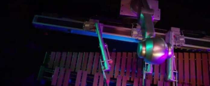 Robot Uses Deep Learning and Big Data to Write and Play its Own Music