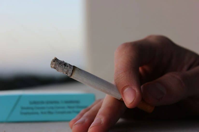 Disadvantages in life add up to increased smoking risk, difficulty quitting
