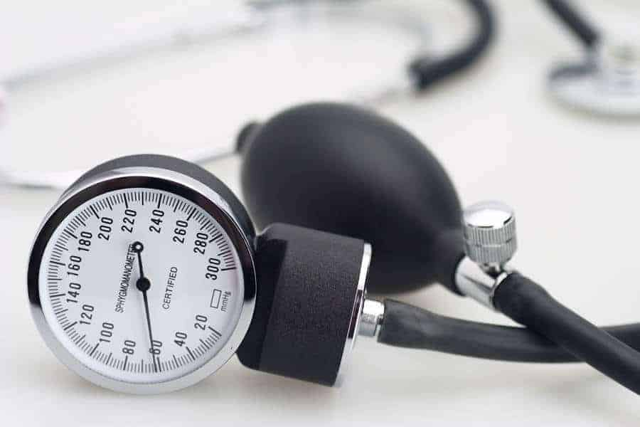 Abnormal blood pressure in middle age and later life increases dementia risk