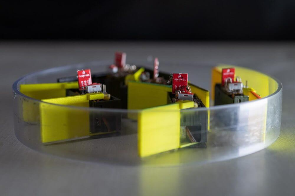 Shape-shifting robots built from smarticles could navigate Army operations
