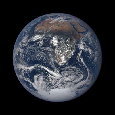 Und so sah DSCOVR die Erde am 21.12.2017. Bild: NASA/DSCOVR.