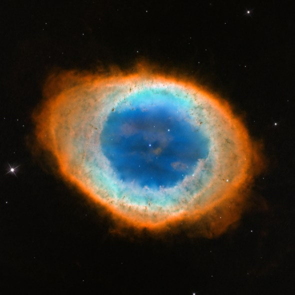 Ringnebel in der Leier, ein planetarischer Nebel. Bild: NASA, ESA and the Hubble Heritage (STScI/AURA)-ESA/Hubble Collaboration