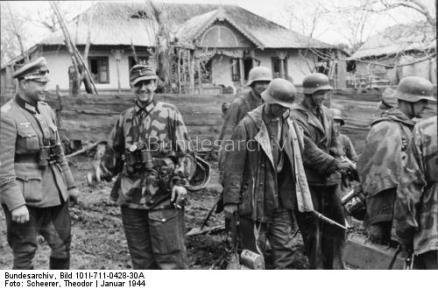 Barchiv GM Lorenz mit Soldaten