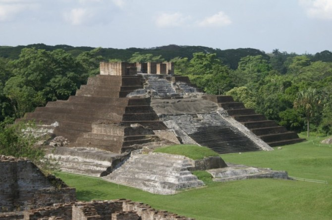 Olmec pyramid ruins