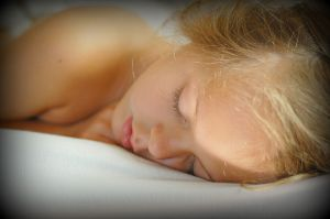 800px-Sleeping-girl