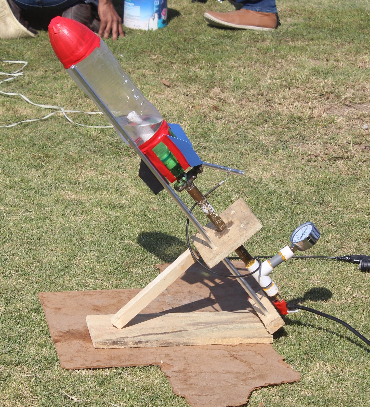 Soda Bottle Water Rocket: Soda Bottle Water Rocket Launcher Online ScienceStore.pk