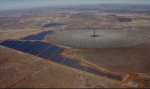 Painéis solares flutuantes em 1% dos reservatórios 'podem dobrar' a capacidade hidrelétrica da África