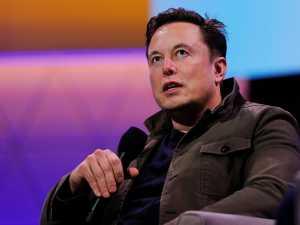 Elon Musk perde o título mais rico do mundo, um tweet custa-lhe 15 bilhões de dólares e Bitcoin cai 7%