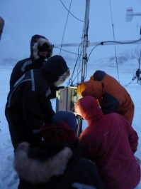 How many scientists does it take to set up a mast?