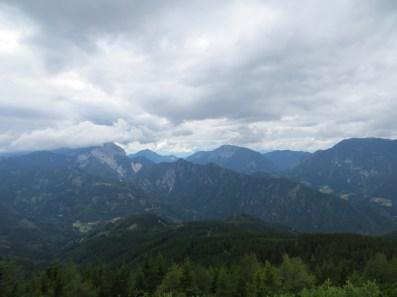 Widok ze szczytu Pristovski Storžič.