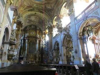 Wnętrze Kościoła Imienia Jezus przy Uniwersytecie Wrocławskim, kościół zachował oryginalny, barokowy wystrój, podczas obleżenia Wrocławia w 1945 roku został uszkodzony (zniszczenia objęły ok. 10 procent świątyni), na szczęście ucierpiał jednak mniej, niż inne wrocławskie kościoły.