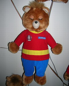 One of 80 Teddy Ruxpin toys wired for speech in Hathaway's art piece.
