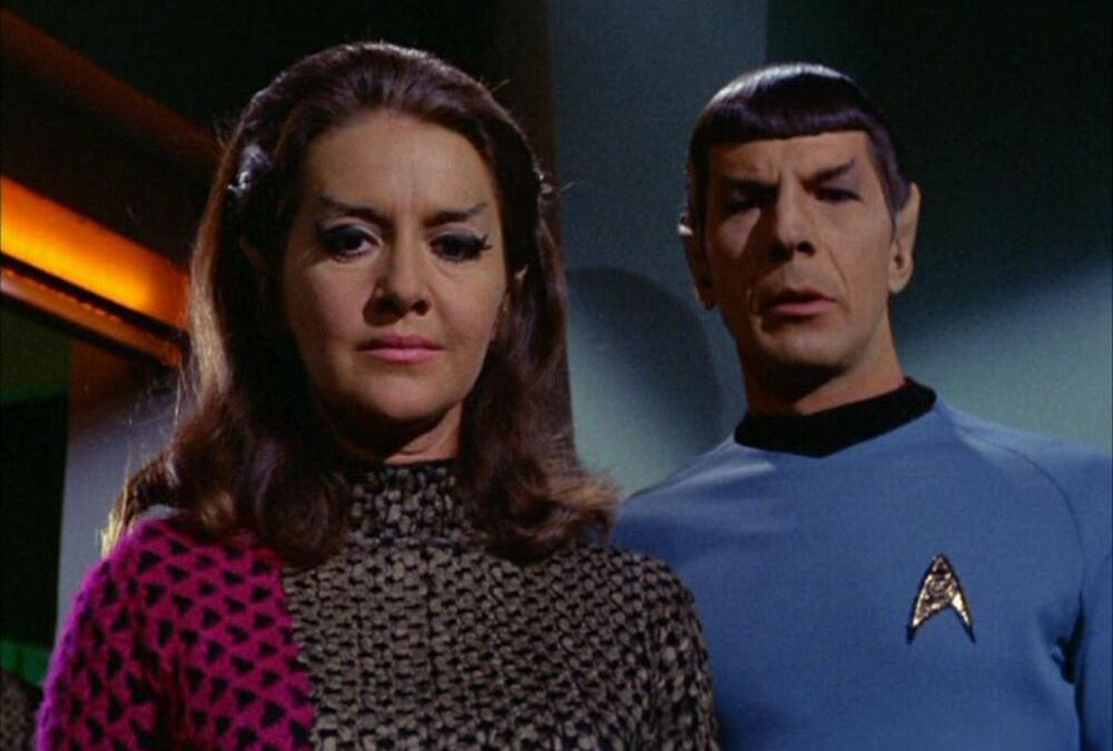 Spock_and_the_Romulan_commander