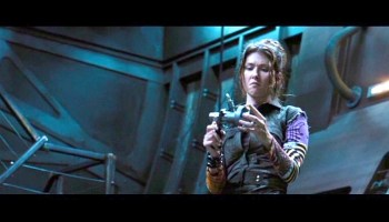 Jewel Staite Geeks Out at Orlando Con! – SciFi4Me com