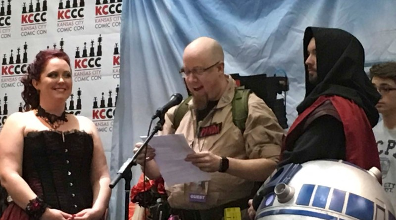 Kansas City Comic Con 2016: What The Force Has United: Cosplay Wedding Draws Crowd