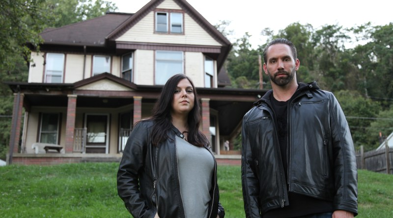 Hosts Katrina Weidman and Nick Groff stand in front of Bellaire House.