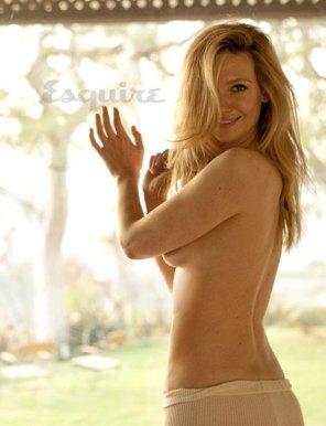 06-anna-torv-topless-0310-lg