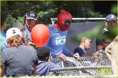 deadpool2-ryan-reynolds-deadpool-flies-into-a-kids-birthday-party-19