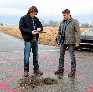Sam and Dean summon a crossroads demon