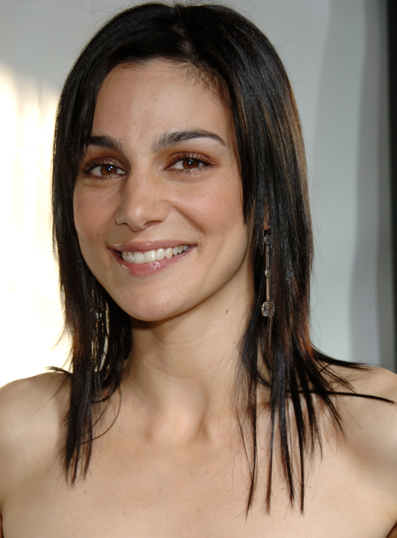 "Annie Parisse Photo by Janet Gough ""Monster-In-Law"" Los Angeles Premiere at the Mann National Theatre April 29, 2005 - Westwood, California CelebrityPhoto.com P.O. Box 1560 - Beverly Hills, CA. 90213-1560 TEL# (310) 786-7700 FAX (310) 777-5455"