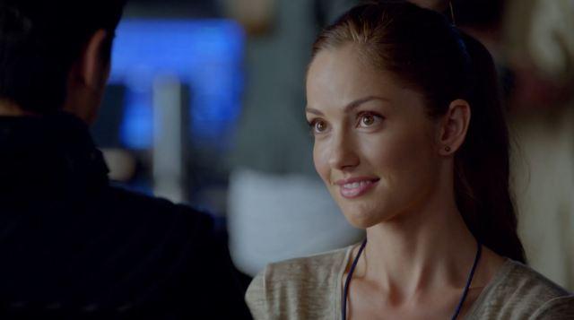 Minka Kelly as Detective Valerie Stahl - Almost Human - arrhythmia