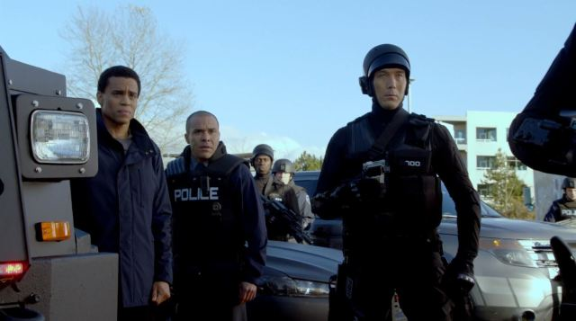Almost Human - Dorian, Paul and a MX android staking out Lynch's trailer