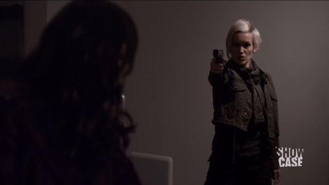 Continuum S3Ep8 So Do Our Minutes Hasten Review - Luvia Petersen as Jasmine Garza threatens Kiera