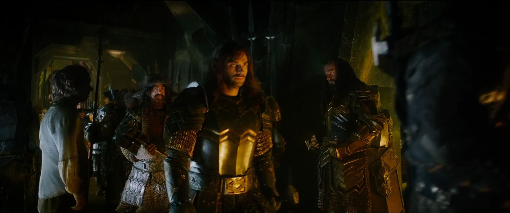 The Hobbit The Battle of the Five Armies Trailer - Dwarf army and bilbo