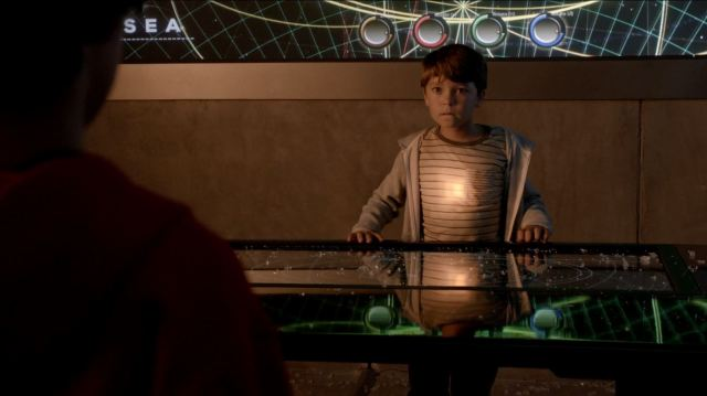 Extant season 1 finale review - Ethan about to explode