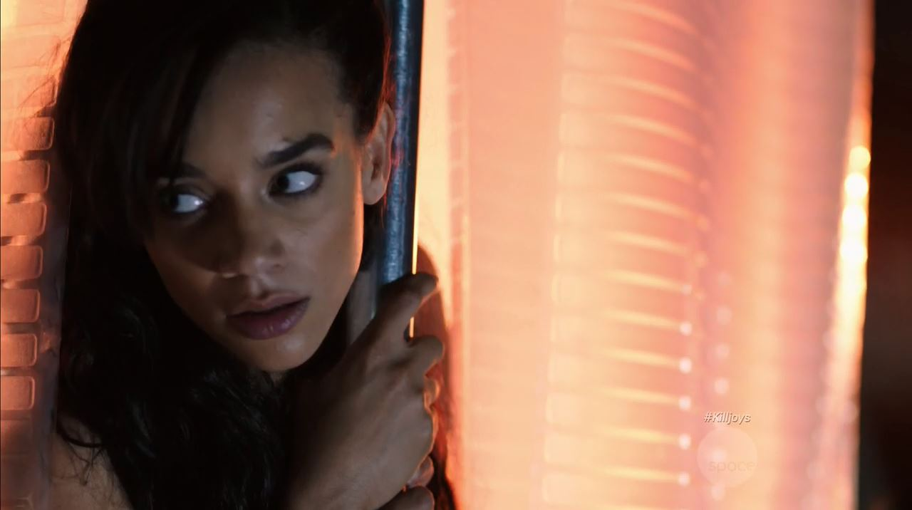 Hannah John-Kamen nude as Dutch. Killjoys Episode 5 A