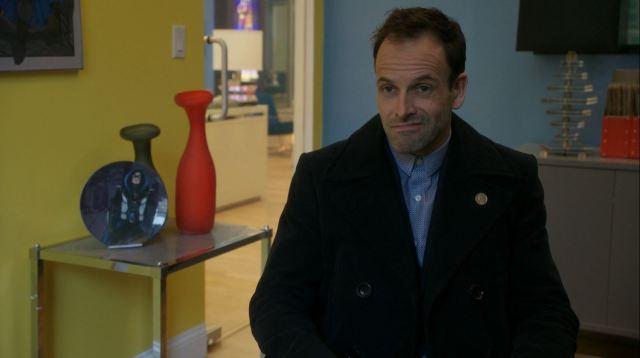 Jonny Lee Miller as Sherlock Holmes. Elementary S4Ep17
