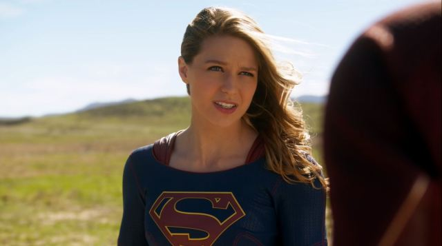 Supergirl (Melissa Benoist) meets The Flash.