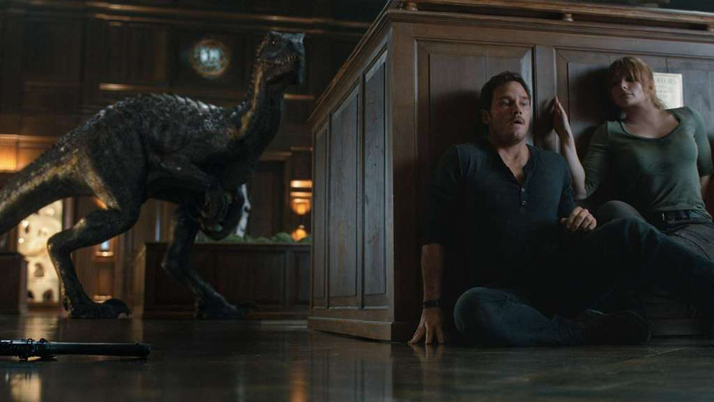 Jurassic World Fallen Kingdom Review Owen and Claire hiding from Indoraptor
