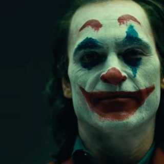 Joker Review - Joaquin Phoenix as the titular character