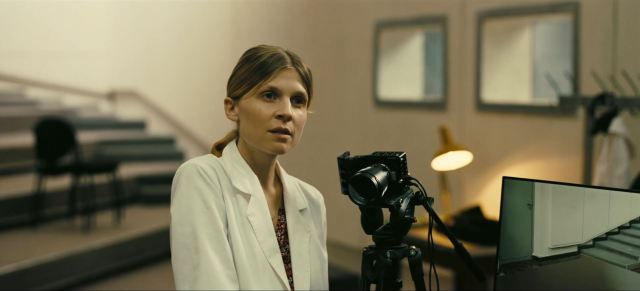 Clémence Poésy as Barbara in Tenet