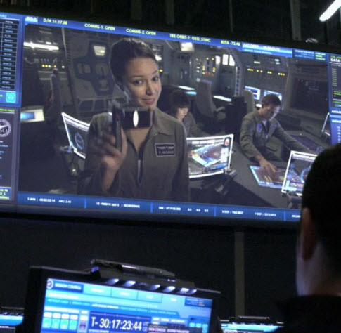Astronaut Paula multitasks teaching & annoying her coworkers