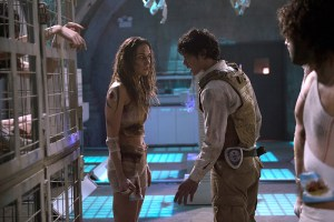 "The 100 -- ""Blood Must Have Blood, Part One"" -- Image HU215A_0344 -- Pictured (L-R): Tasya Teles as Echo and Bob Morley as Bellamy -- Credit: Diyah Pera/The CW -- © 2015 The CW Network, LLC. All Rights Reserved"