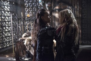 "The 100 -- ""Ye Who Enter Here"" -- Image HU303A_0096 -- Pictured (L-R): Alycia Debnam-Carey as Lexa and Eliza Taylor as Clarke -- Credit: Cate Cameron/The CW -- © 2016 The CW Network, LLC. All Rights Reserved"