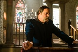 """GHOST WARS -- """"Death's Door"""" Episode 101 -- Pictured: Vincent D'Onofrio as Father Dan Carpenter -- (Photo by: Dan Power/Nomadic Pictures Corp./Syfy)"""