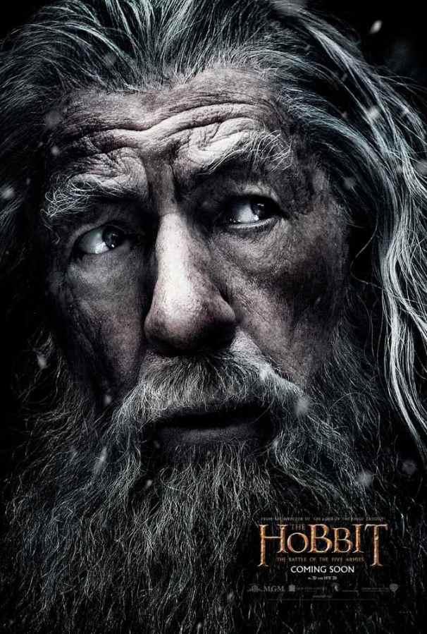 309945id3_TheHobbit_TBOTFA_INTL_Character_Gandalf_48inW_x_70inH.indd
