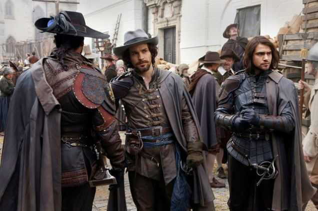 Programme Name: The Musketeers - TX: 01/08/2016 - Episode: Ep10 (No. 1) - Picture Shows: Aramis (SANTIAGO CABRERA), D'Artagnan (LUKE PASQUALINO) - (C) BBC - Photographer: Dusan Martincek