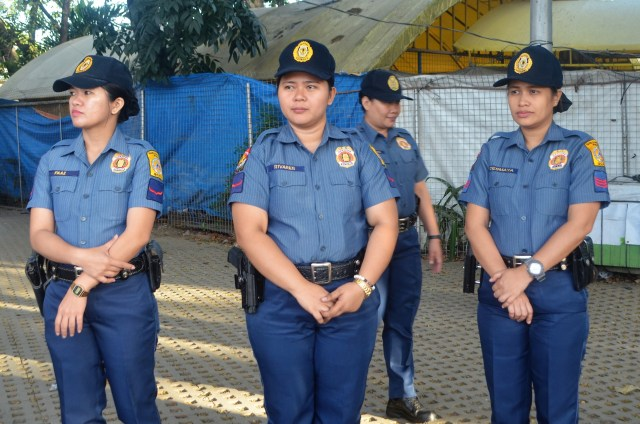 p1-3-female-cops.jpg
