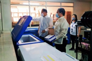 Marikina Mayor Teodoro offers 3 vaccine choices to residents.
