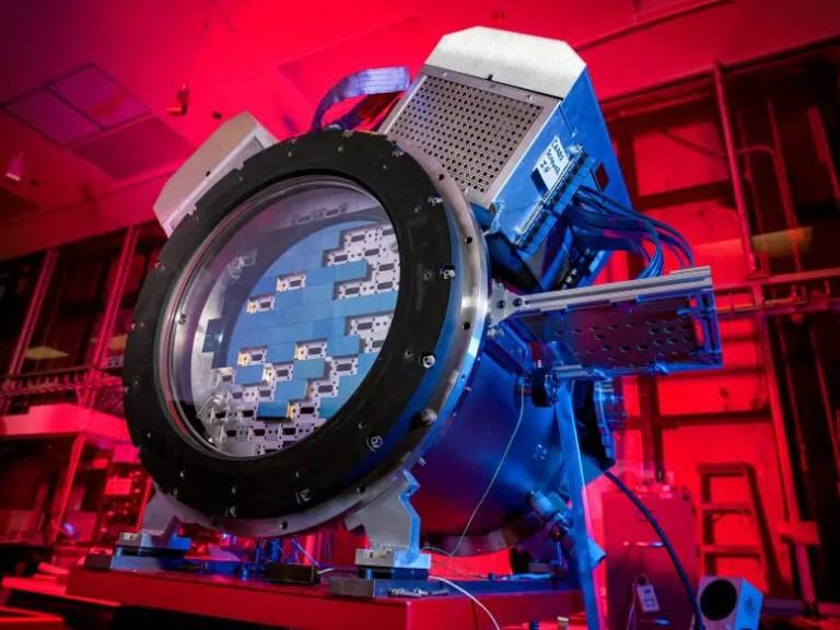 Dark Energy Survey Camera (DECam)