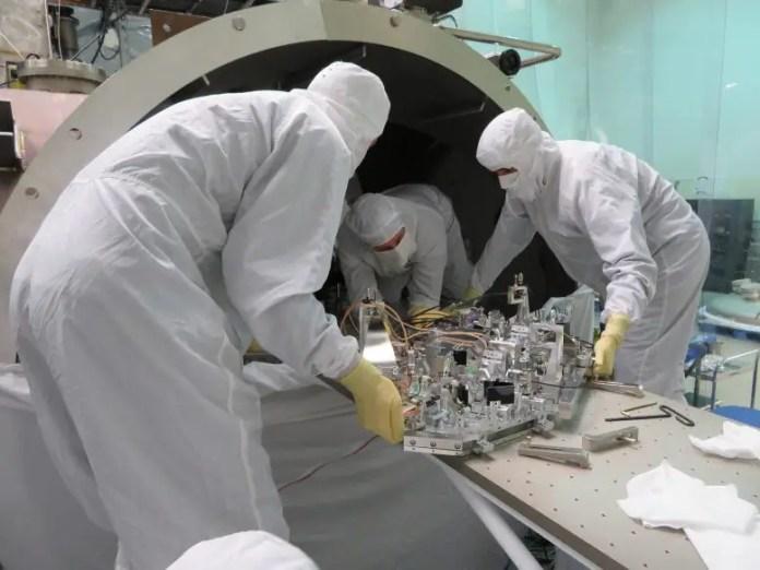Quantum Squeezing Device LIGO Gravitational Wave Detectors