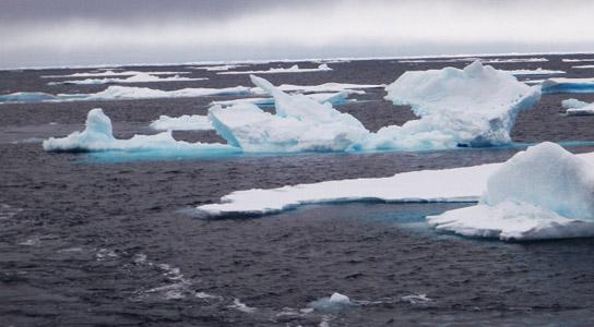 arctic-ice-drifting