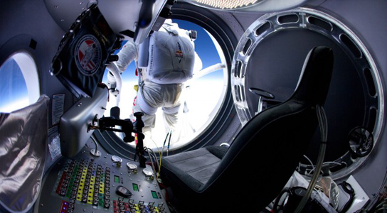 baumgartner-13-mile-jump-capsule