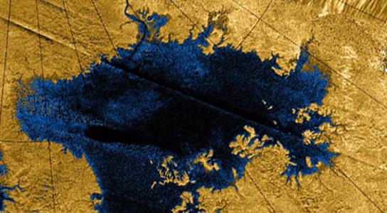hyrdocarbon-lake-titan